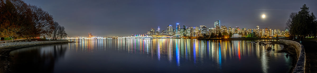 Vancouver at night. Downtown Vancouver. Stanley Park.